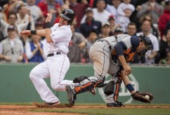 BOSTON, MA - MAY 15: Ryan Hanigan #10 of the Boston Red Sox avoids being tagged by Jason Castro #15 of the Houston Astros to score a go-ahead run in the seventh inning on May 15, 2016 at Fenway Park in Boston, Massachusetts. (Photo by Michael Ivins/Boston Red Sox/Getty Images) *** Local Caption *** Ryan Hanigan;Jason Castro