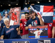 ST. PETERSBURG, FL - SEPTEMBER 24: Fans react to David Ortiz #34 of the Boston Red Sox before the start of a game against the Tampa Bay Rays on September 24, 2016 at Tropicana Field in St. Petersburg, Florida. (Photo by Michael Ivins/Boston Red Sox/Getty Images) *** Local Caption *** David Ortiz